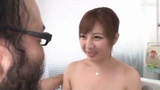 尊師が精子 超イケメンのチンポコを新山らんがパイズリ挟射する動画ww