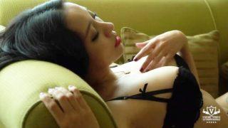 中国の巨乳モデル松果儿が魅せる挑発的な態度が完全に抜けるレベルなんだがww
